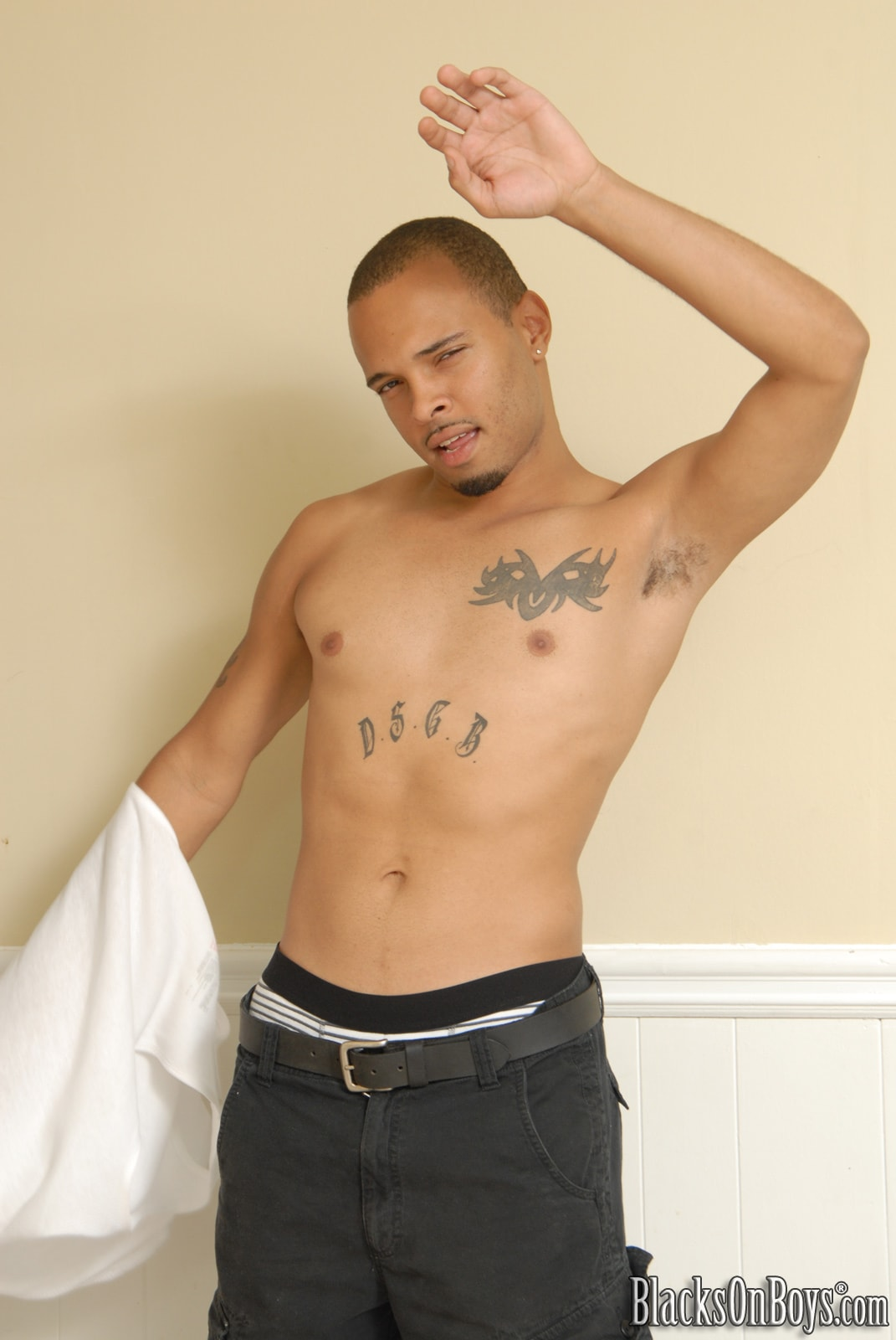 Dogfart Men '- Blacks On Boys' starring Devin Chase (Photo 8)